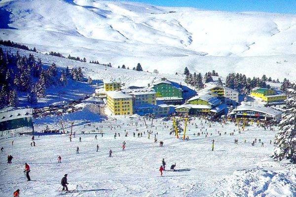 إقبال كبير على التزلج بمنحدرات أولوداغ