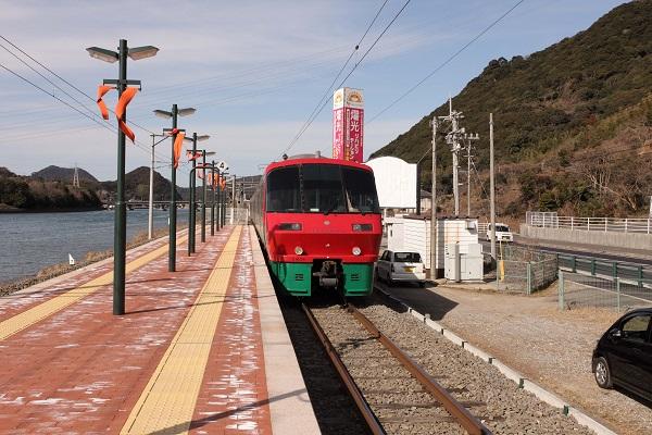 اجتماع تركي أذري جورجي لبحث كيفية تطوير عمل سكة حديد