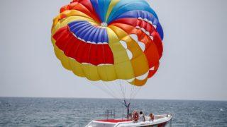 أنطاليا التركية تستقطب عشاق المغامرات المائية